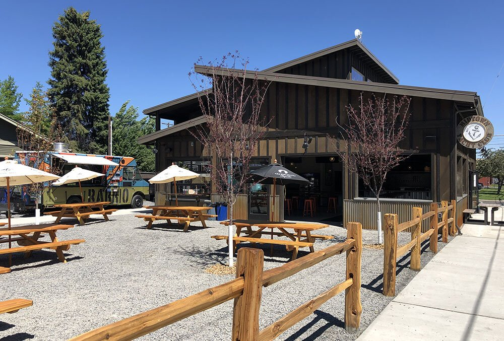 Midtown Yacht club food cart lot in Bend Oregon